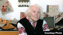 Віра Роїк, легендарна майстриня-вишивальниця із Сімферополя, Герой України