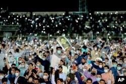 تجمع انتخاباتی برای ابراهیم رئیسی در ورزشگاه تختی اهواز