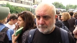 Владимир Мирзоев на акции в защиту Кирилла Серебренникова