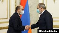 Armenia - Prime Minister Nikol Pashinian meets with Bright Armenia Party leader Edmon Marukian, March 4, 2021