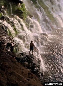 Один из сотен водопадов Канаймы