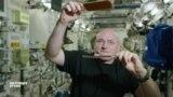 Астронавт НАСА Келли и российский космонавт Волков вернулись на Землю