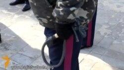 Луганську облдержадміністрацію охороняють козаки