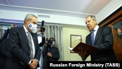 Lavrov u novom ruskom veleposlanstvu, sa gradonačelnikom Zagreba Milanom Bandićem
