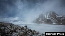 Абрамов мөңгүсү, Алай кырка тоосу.