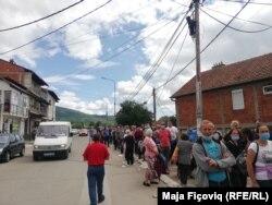 Radhët e gjata në Mitrovicë të Veriut.