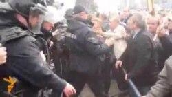 Судири меѓу стечајците и полицијата