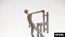 من أعمال الفنان العراقي أياد القرغولي