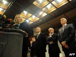 Словацькі урядовці на чолі з прем'єром Іветою Радічовою дають прес-конференцію у вівторок