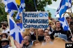 Miting pro-independenţă în faţa sediului BBC la Glasgow, Scoia, 14 septembrie 2014