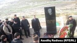 Баку, 2 января 2012 года: похороны Рафика Таги