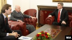 Средба на Претседателот Ѓорге Иванов со амбасадорот на ОН Метју Нимиц.