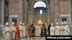 Папа римский Франциск с католикосами Гарегином Вторым и Арамом Первым