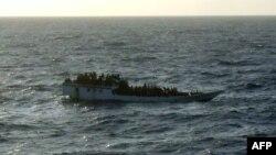 Судно з мігрантами, яке затонуло біля берегів острова Різдва 27 червня