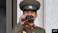 کره شمالی؛ عکسهای رسمی، همه چیز زیر نگاه سربازان
