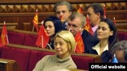 Під час пленарного засідання Верховної Ради України, 3 грудня 2009 року.