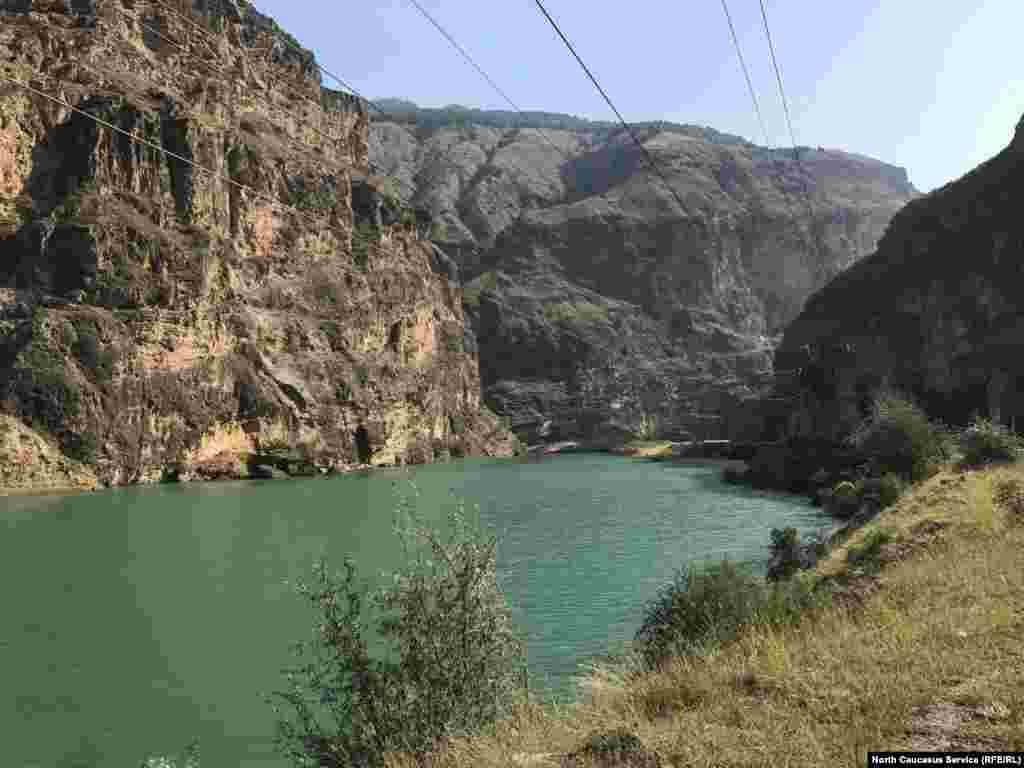 По дороге в Карадахскую теснину. Река Аварское Койсу