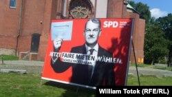 Afiş electoral vandalizat
