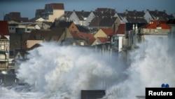Stuhia Ciara në Francë.