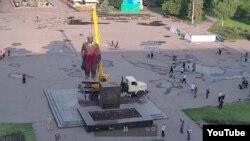 Демонтаж памятника Ленину в Славянске