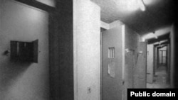 سلولهای انفرادی، احتمالا در زندان اوین، تهران