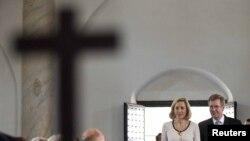 Գերմանիայի նախագահը տիկնոջ հետ` Թուրքիայի հարավում գտնվող Տարսուսի եկեղեցում: 21-ը հոկտեմբերի, 2010թ.