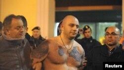 Ivan Bogdanov, uhašeni vođa 'navijača' koji su izazvali nerede u Đenovi, 13. oktobar 2010