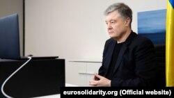 Адвокат Порошенка: постанова про доручення прокурору була створена «заднім числом»