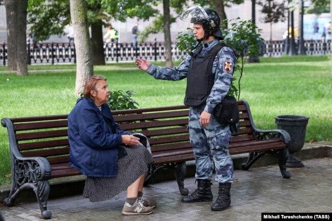 La police libère le Boulevard Ring des citoyens, le 3 août