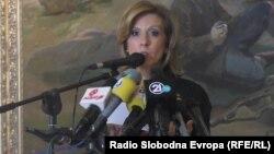 """Министерката за култура Елизабета Канческа-Милевска објавува документи за истрагата """"Тендери"""" на СЈО."""