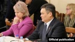 Ирина Карамушкина менен Марат Аманкулов Крым сапары учурунда.