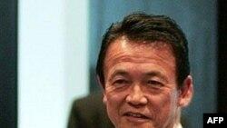 تارو آسو: ژاپن باید با شدت عمل بیشتری علیه برنامه هسته ای ایران برخورد کند.