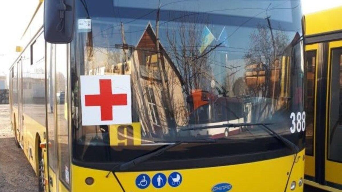 Во Львовской области запустили спецавтобусы для перевозки работников на работу