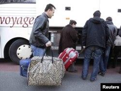 Azilanti iz Srbije i Makedonije vraćeni u martu 2010. iz Belgije