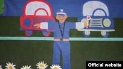 """Илустрација: Изложба на цртежи на деца од градинката Пролет на тема - """"Полицаецот е нашиот најдобар пријател""""."""