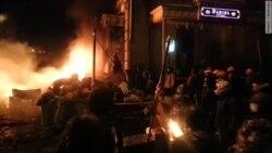 Киев: баррикады и обстрел из катапульты