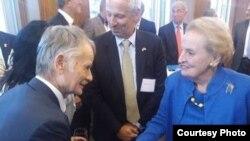 Мостафа Җәмилев һәм Мадлен Олбрайт