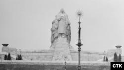 Staliniň heýkeli, Praga, 1955