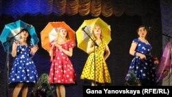 Шоу «Выборы Снегурочки - 2012» подготовили артисты цхинвальского театра