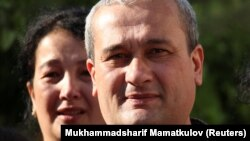 Журналист Бобомурод Абдуллаев эркиндикке чыккан күн. Өзбекстан. 2018-жыл.