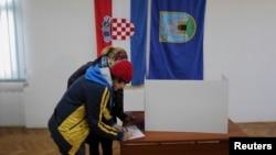 Glasanje na referendumu u Hrvatskoj, 1. decembar 2013.