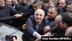 Эксперты сходятся во мнении: Мерабишвили – фигура, безусловно, сильная, но вместе с тем довольно непредсказуемая