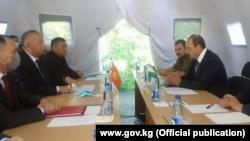 Кыргызско-узбекистанские переговоры после конфликта на границе с анклавом Сох. 1 июня 2020 года.