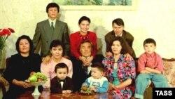 Семья президента Казахстана Нурсултана Назарбаева. 1992 год.