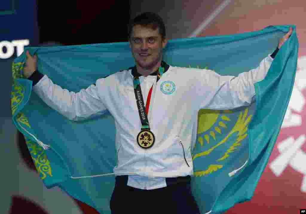 В фехтовании у Казахстана тоже золото. Дмитрий Алексанин принес в копилку сборной Казахстана первую золотую медаль Азиатских игр-2018. 19 августа 2018 года.
