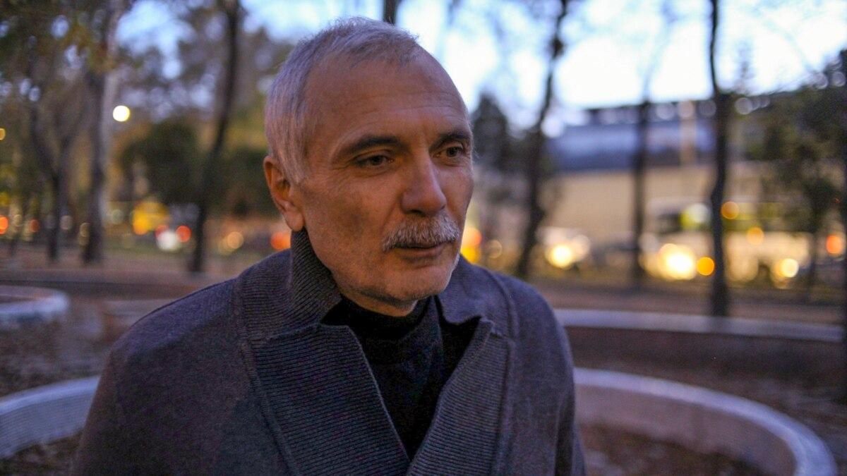 Крымского журналиста отправили в обсервацию после возвращения из материковой Украины