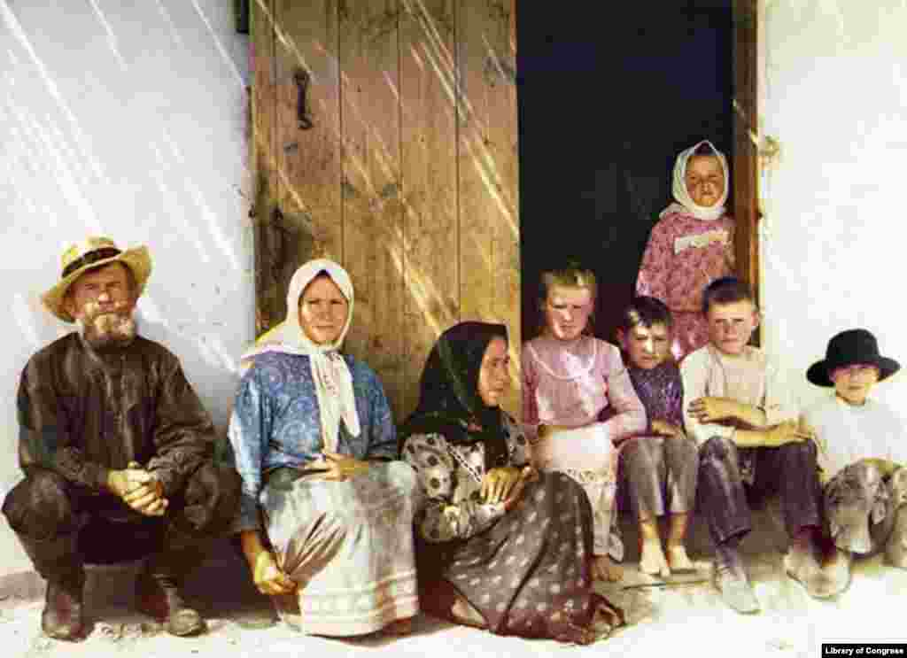Ethnic Russian settlers in the Mugan Steppe region, south of the Caucasus mountains and west of the Caspian Sea - Between 1907 and 1915, Prokudin-Gorsky traveled through the Russian Empire in a railroad car equipped with a darkroom, recording aspects of Russia's diverse culture. Here, he photographed settlers who were encouraged by official government policy to populate border regions, including the Caucasus and Russia's Far East.