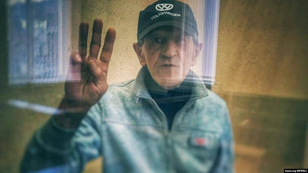 Суд в оккупированном Крыму оставил под арестом активиста Приходько