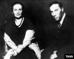 Анна Ахматова и Борис Пастернак, 1946 год