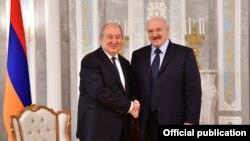 Беларусь -- Президент Армении Армен Саркисян (слева) и президент Беларуси Александр Лукашенко, Минск, 30 октября 2018 г.